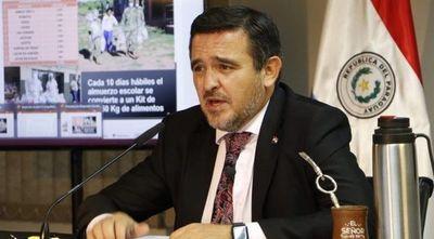 """Petta responde tras voto de censura: afirma que su renuncia """"está a disposición"""" de Abdo"""