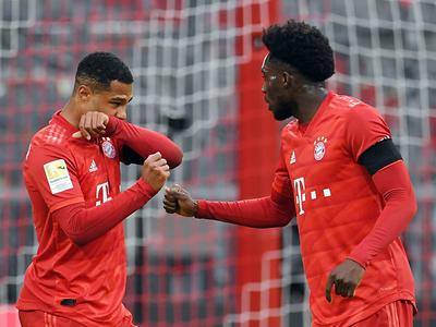 Bayern Múnich aplasta al Eintracht en la antesala al clásico
