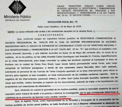 Juez debe enviar a prisión al intendente José C. Acevedo por violar las restricciones de seguridad al cruzar al lado brasileño