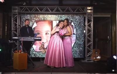 Así celebró Jazmín del Paraguay sus 15 años