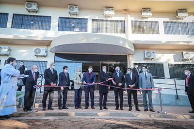 Presidente inaugura nuevo laboratorio de Senacsa