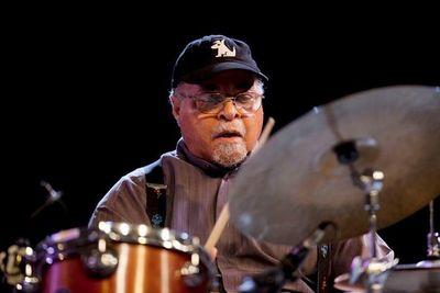 El baterista Jimmy Cobb, cercano a Miles Davis, muere a los 91 años en EE.UU.
