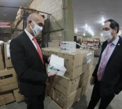 Denuncian más irregularidades en proceso de compra de insumos médicos