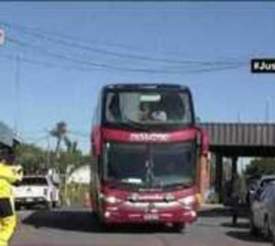 Ingresan al país más repatriados desde Chile