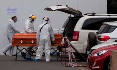 Un hospital chileno colapsó por falta de camas para pacientes de coronavirus en estado crítico