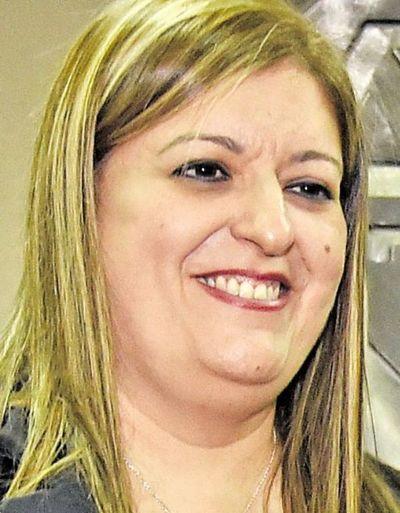 Diputados tratará mañana juicio político a Sandra Quiñónez