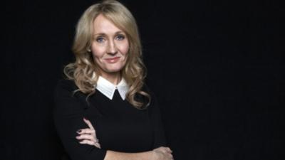 J.K. Rowling desempolva un nuevo material literario
