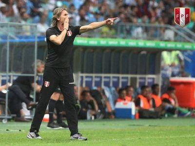 Gareca contempla jugar Eliminatorias solo con futbolistas de la liga peruana