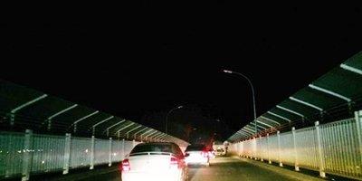 Siguen ingresando al país más compatriotas por el Puente de la Amistad