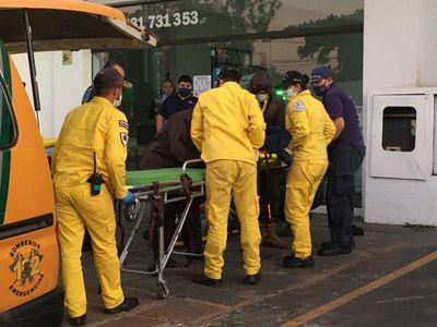 Tres trabajadores electrocutados en local comercial de Luque