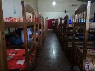 Organización expone dura realidad de connacionales en albergues