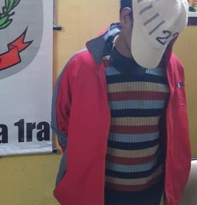 Cae delincuente con orden de detención tras robar  cartera en inmediaciones de la Municipalidad de CDE – Diario TNPRESS