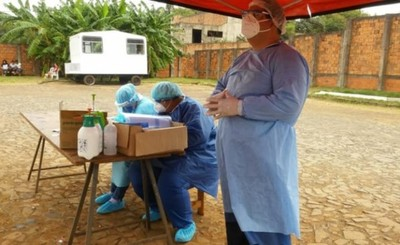 Entrenan a médicos voluntarios que asistirán en hoteles salud