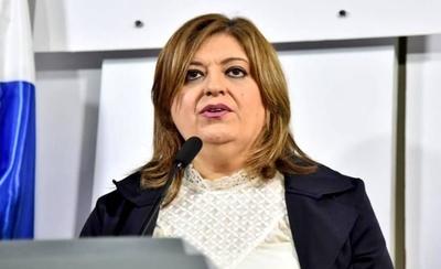 HOY / Diputados rechazan el juicio político a Sandra Quiñónez