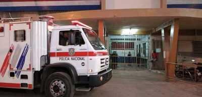 Reclusos de Tacumbú queman colchones exigiendo que vuelvan las visitas
