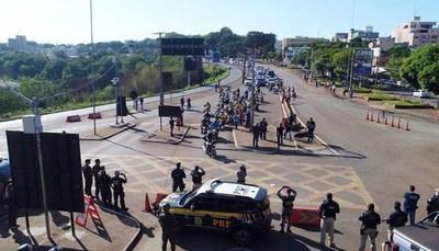 Comerciantes brasileños dicen que obligarán a Paraguay a abrir sus fronteras