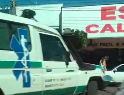 ¡Usan ambulancia para hacer compras en Brasil!