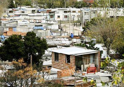 Situación en villas y favelas dificulta el freno de contagios del covid-19