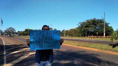 Manifestación en Hernandarias ante posible endeudamiento de Itaipú