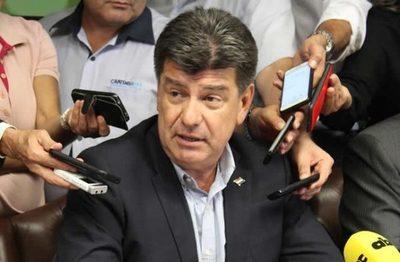 Efraín Alegre responsabiliza a Horacio Cartes de buscar destruir al PLRA