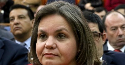 En plena crisis por el COVID-19, Lilian Samaniego se ausentará del país