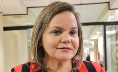 "HOY / Lilian Samaniego viajó al Uruguay por ""motivo de salud"""