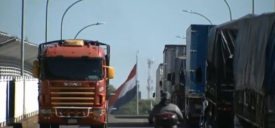 CAMIONEROS brasileños se quejan de LENTITUD y ya NO quieren VENIR a PARAGUAY