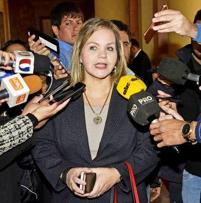 Lilian Samaniego consiguió permiso para viajar a Uruguay aduciendo motivos de salud