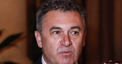 Presidente de la Ande debió renunciar o ser destituido ante las sobrefacturaciones