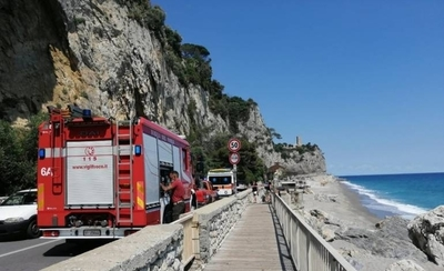HOY / Italia: hermanos paraguayos se tiraron al mar para salvar sus cervezas y uno de ellos murió