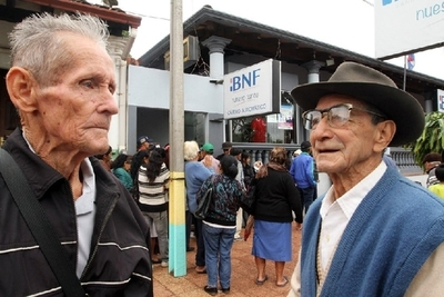 Adultos mayores y otros pensionados cobraran este viernes