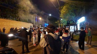 En Asunción y Hernandarias protestan contra  posible endeudamiento de Itaipú