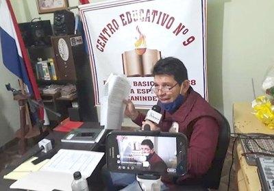 Profes enseñan a sus peques por radio FM