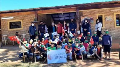 Niños indígenas asistidos por el Estado recibieron donaciones de Turquía