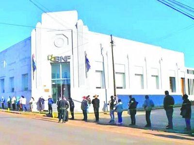 En Carapeguá no podrán cobrar Tekoporã por cierre de banco ante amenaza de contagio comunitario