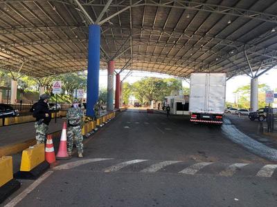 Verifican controles de migraciones en el Puente de la Amistad