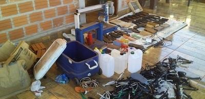 HOY / Desmantelan laboratorio que elaboraba zapatillas rellenas de cocaína