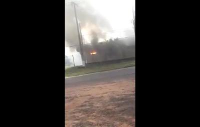 Reportan incendio en sub estación de la Ande de Santa Rosa del Aguaray