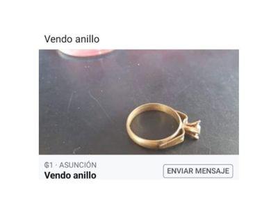 Se endeudó para comprarle un anillo de compromiso a su novia y esta le dejó por el vecino