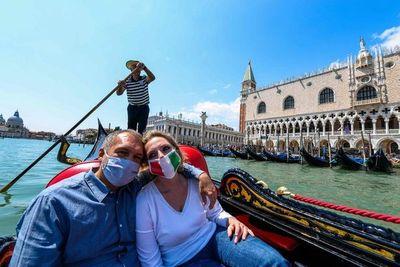 Los fabricantes de góndolas de Venecia, en horas bajas