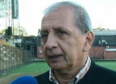Con cinco cambios parece un partido de barrio, afirma Toti Acosta