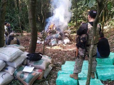 Destruyen importante campamento narco en María Auxiliadora