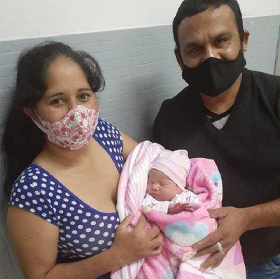 Venció al Covid-19 y dio a luz a un hermoso bebé sano