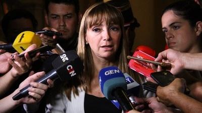 Diputados presentan proyecto de interpelación de la Ministra del Trabajo Carla Bacugalupo