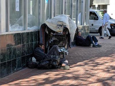 El rostro más vulnerable: el riesgo de vivir en la calle durante la pandemia