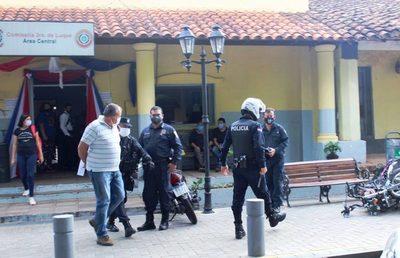 Mecánico detenido por tentativa de feminicidio continúa en comisaría • Luque Noticias