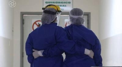 """HOY / Médicos piden mantener medidas estrictas ante el """"alto nivel de relajamiento"""""""