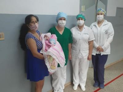 ¡Sin complicaciones! En Itapúa una mujer dio a luz luego de vencer al COVID-19