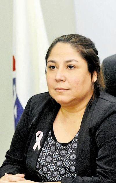 Imputan a expresidenta de Petropar por la compra de mascarillas y agua tónica