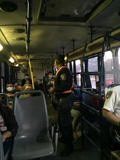 Policía Nacional refuerza controles en unidades de transporte público